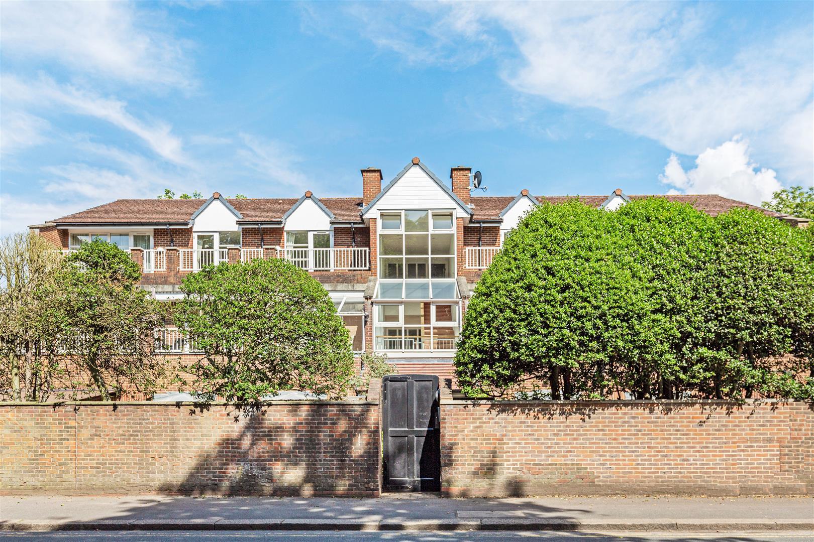 Somerset Road, Wimbledon - Andrew Scott Robertson